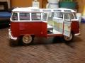 Revell 1/24 Volkswagen Transporter T1 Samba BUS - Первая модель