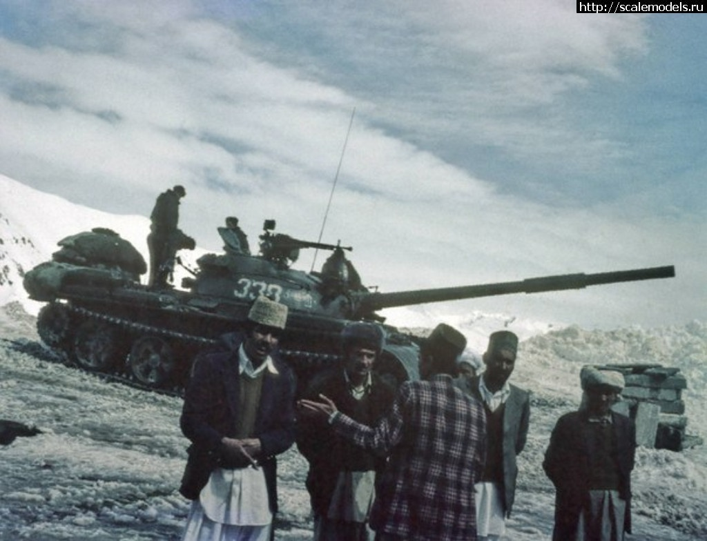 #1403852/ Окраска послевоенной Советской бронетехники Закрыть окно