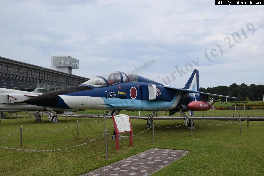 Walkaround Mitsubishi T-2K(B) JASDF 29-5117 Blue Impulse #3, Misawa, Japan Закрыть окно