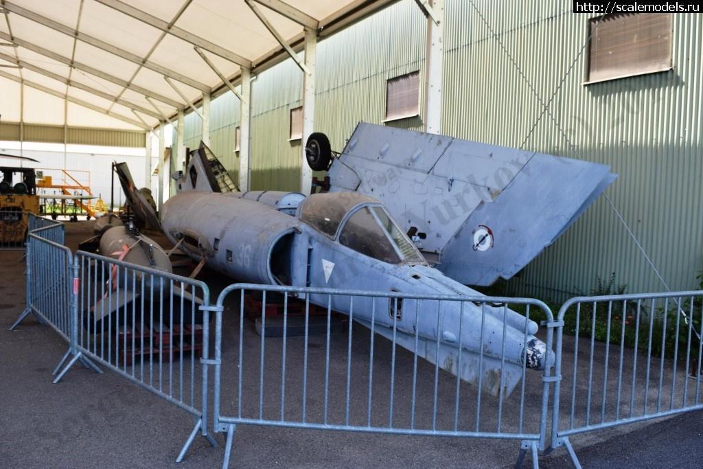 Walkaround Dassault Etendard IVM No36, Musee de l'Aviation Clement Ader, Lyon, France Закрыть окно
