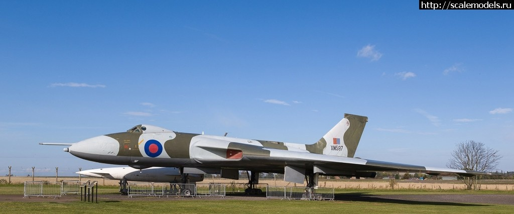 GWH 1/144 Royal Air Force Avro  Vulcan B.2 XM597/ GWH 1/144 Royal Air Force Avro  Vulc...(#13290) - обсуждение Закрыть окно
