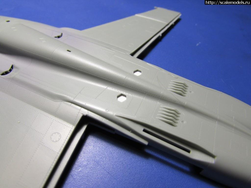 #1571488/ F/A-18F Super Hornet 1/72 Academy 'Jolly Rogers' Закрыть окно