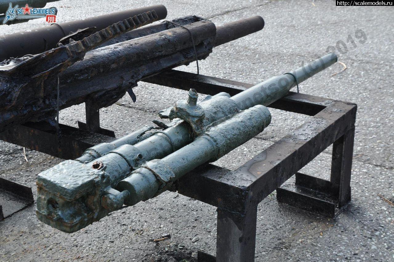 Walkaround ствол 45-мм универсальной пушки 21-К, Мемориал Малая Земля, Новороссийск, Россия Закрыть окно